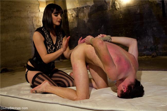 Alt binaries pictures erotica femdom