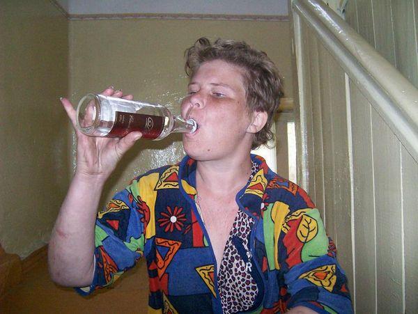 Пьяные алкашки и бомжихи сосут 3 фотография