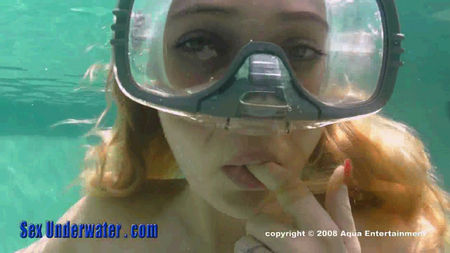Blowjob underwater in a mask
