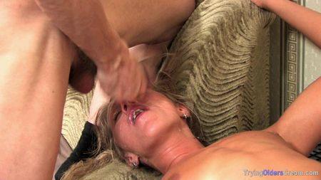 old daddy has sex his beautiful daughter - wonderful daughter makes dad blowjob