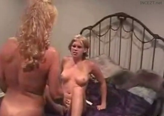 video mommy girl tricked into lesbian full