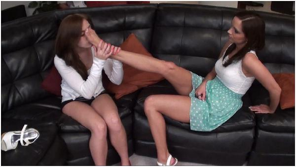 Lesbian foot lick, mongolian nude model photo