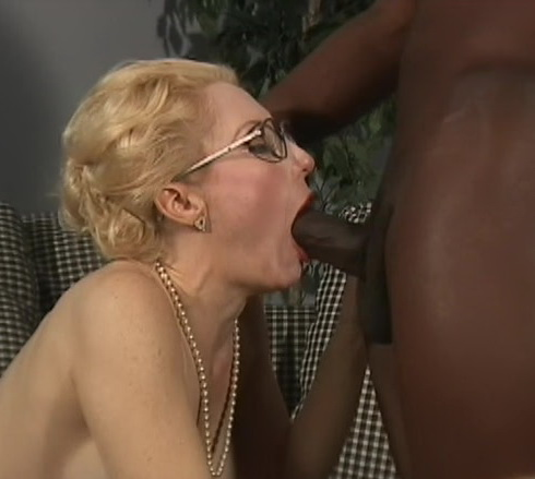 Pretty Babes Fuck By Black Guy