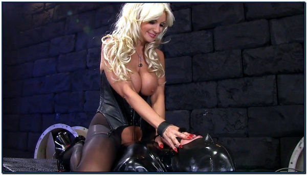 Rubber Gimp Face Fuck Female Domination