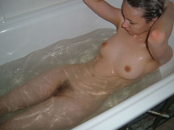 фото в душе голые видео