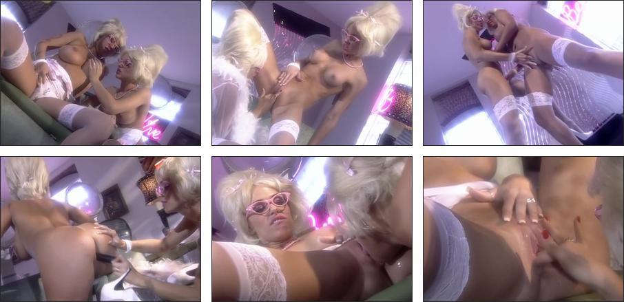 Sharon osbourne boob pic