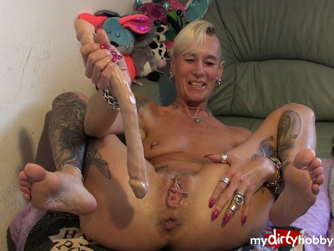 http://s5.depic.me/01781/m2xe5xx5ne5b_o/dildo_snake_all_in_my_ass_lady_isabell666.jpg
