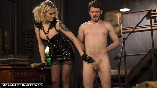 DiB – Jan 01, 2016 – Maitresse Madeline Marlowe and Slave Fluffy