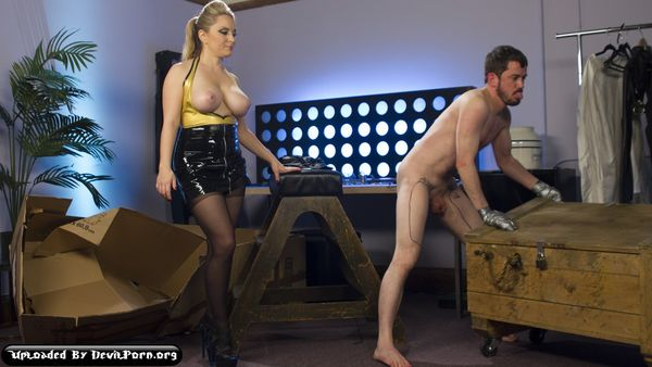 DiB – Feb 05, 2016 – Aiden Starr and Slave Fluffy