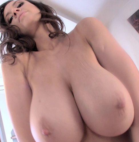 Lana Kendrick – Hearts Bra 2 – 04/22/16 – HD 720p