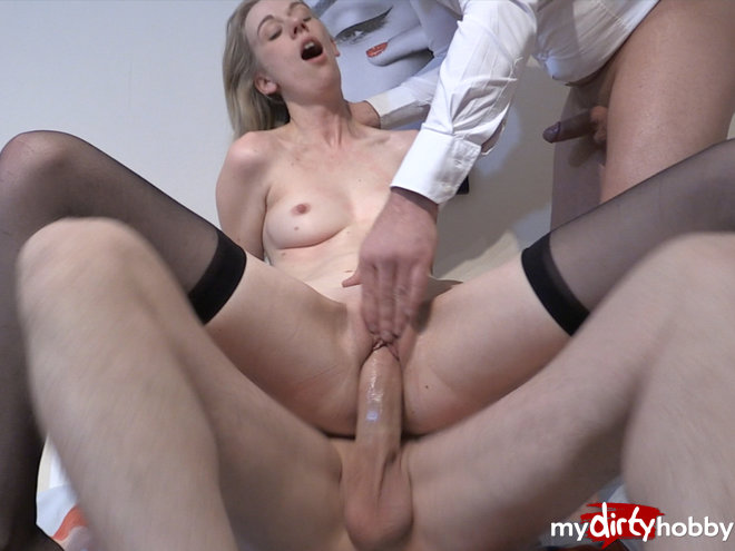 http://s5.depic.me/01918/k0b7zpo540nw_o/premiere_2_cocks_in_pussy__maria_sucht.jpg